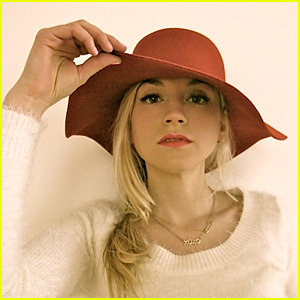 Emily Kinney Officially Joins 'The Flash' as Bug-Eyed Bandit