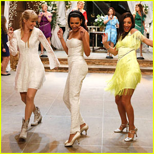 Brittany & Santana Are Getting Married Tonight on 'Glee'!