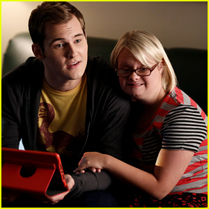 JJJ Valentine's Day: Lauren Potter Dishes on Ideal Date with Real-Life & On-Screen Boyfriends!