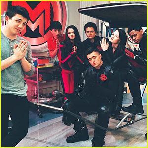 Kelli Berglund & Bradley Steven Perry Tease 'Lab Rats' & 'Mighty Med' Crossover!