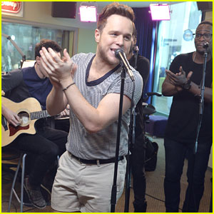 Olly Murs Performs Acoustic 'Wrapped Up' For Radio Disney - See The Pics!
