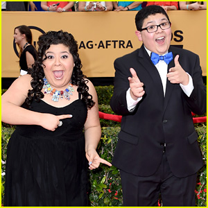 Raini & Rico Rodriguez Live Tweet a Pipe Burst Instead of Oscars 2015