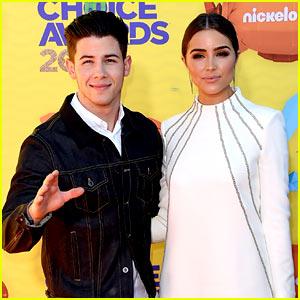 Nick Jonas Hits the Carpet Before Hosting Kids' Choice Awards 2015!