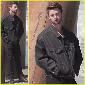 Patrick Schwarzenegger Joins Mom Maria Shriver to Wipe Out Alzheimer's Diseases