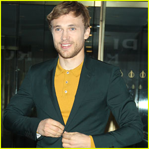 William Moseley Chooses Narnia Over Hogwarts In 'Would You Rather' Game
