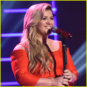 Kelly Clarkson Performed Her Original Audition Song on 'American Idol' Last Night - Watch Here!