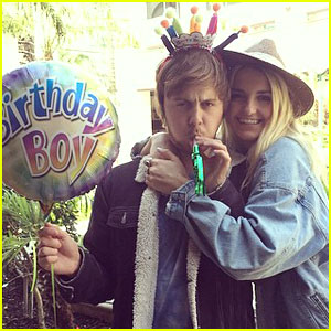 Rydel Lynch & Ellington Ratliff Confirm Relationship In 'R5 All Day All Night' Documentary