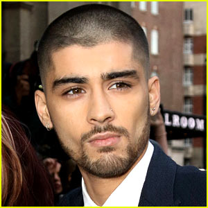 Zayn Malik Sends Out First Tweets Since Leaving One Direction!