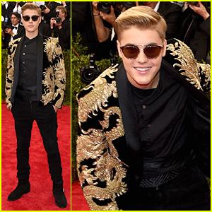 Justin Bieber Looks Golden at Met Gala 2015