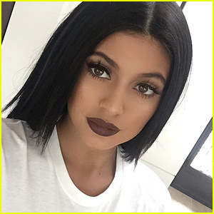 Kylie Jenner's Lips Are Not Real - Check Out Some of Her Selfies!