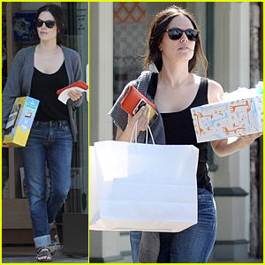 Rachel Bilson Does Retail Therapy Following 'Hart of Dixie' Cancellation