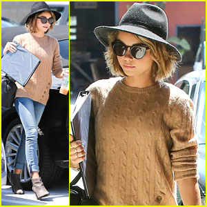 Sarah Hyland Is Tired of Los Angeles' Gloomy Days