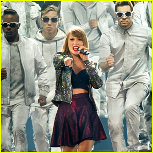 Taylor Swift Is Freaking Out After Breaking the Vevo Record!
