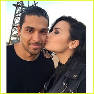 Demi Lovato Gives Wilmer Valderrama a Cute Kiss on Set!