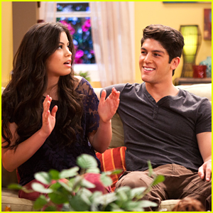 who does emma end up with in every witch way season 4