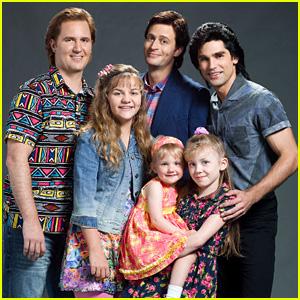 Lifetime Releases 'Full House' Cast Photo!