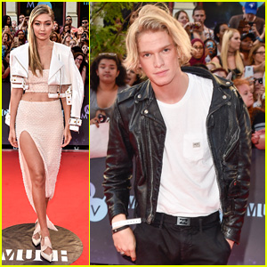 Gigi Hadid Stuns at MMVAs 2015 With Ex-Boyfriend Cody Simpson
