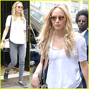Jennifer Lawrence & Mom Karen Go Apartment Hunting Together in NYC