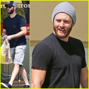 Supernatural's Jensen Ackles Still Has a Big Bushy Beard!