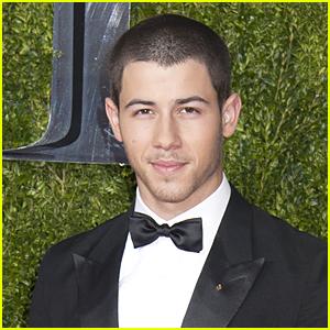 Nick Jonas Blasts CrossFit's Diabetes Joke on Twitter