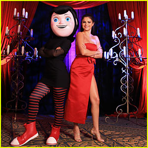 Selena Gomez is Red Hot in Cancun for 'Hotel Transylvania 2'