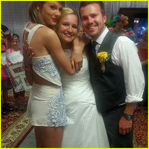 These Taylor Swift Fans Got Hitched at Her Concert!