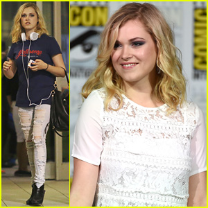 The 100's Eliza Taylor is a Fan Favorite at Comic-Con 2015!