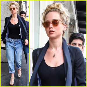 Jennifer Lawrence Hangs Out With Chris Martin Over Holiday Weekend