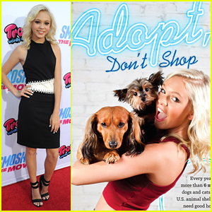 Jordyn Jones Stars In New 'peta2' Ad After 'Smosh' Premiere with Calum Worthy