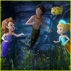 Kiernan Shipka & Ariel Winter Are Mermaids For 'Sofia The First' Season Three Premiere - Watch Exclusive Clip!
