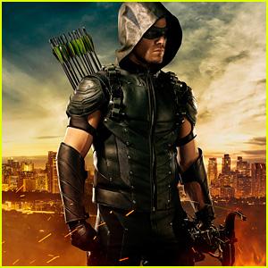 'Arrow' Debuts New Green Arrow Costume for Fourth Season!