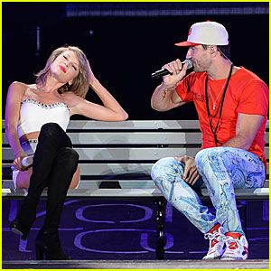 Taylor Swift Performs 'Take Your Time' With Sam Hunt in Chicago - Watch Now!