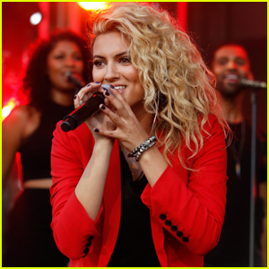 Tori Kelly Tears it Up on 'Jimmy Kimmel Live'!