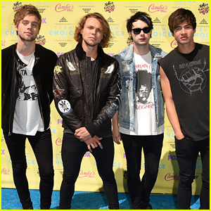 5 Seconds of Summer Have a Big Night Ahead at the Teen Choice Awards 2015!