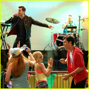 Check Out a Sneak Peek at Andy Grammer on 'Liv and Maddie'!