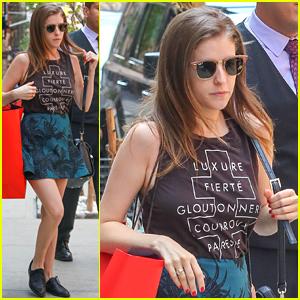 Anna kendrick takes home lots of teen choice awards anna kendrick anna kendrick takes home lots of teen choice awards voltagebd Images