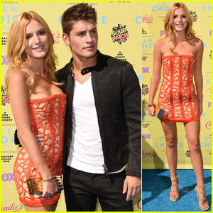 Bella Thorne & Gregg Sulkin Couple Up for Teen Choice Awards 2015