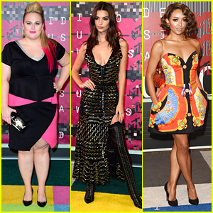 Rebel Wilson Is A Hot Pink Hottie At MTV VMAs 2015