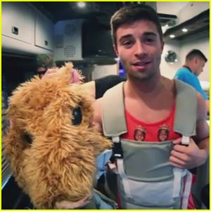 Jake Miller Fools His Fans in Hamster Costume in New 'Dazed & Confused' Tour Diary - Watch Now!