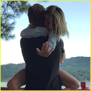 Julianne Hough & Brooks Laich Are Engaged!