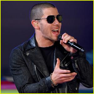 Nick Jonas' 'Levels' Performance at MTV VMAs 2015 (Video)