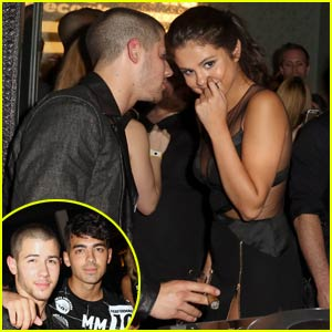 Selena Gomez & Nick Jonas Catch Up at MTV VMAs 2015 After-Party