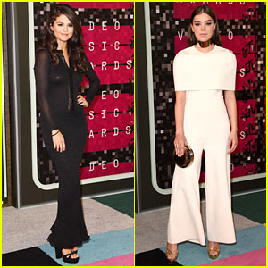 Selena Gomez Stuns in Black While Hailee Steinfeld Wears White to MTV VMAs 2015