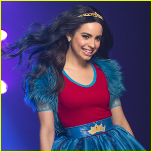 Sofia carson 'evie' rotten to the core disney descendants play.