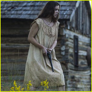 Hailee Steinfeld is in Serious Danger in New 'The Keeping Room' Trailer - Watch Now!