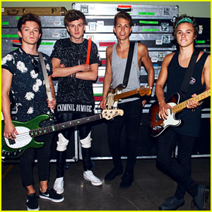 The Vamps Bring Us Backstage at Final U.S. Tour Stop! (Exclusive Pics)