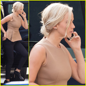 Jennifer Lawrence Dyes Her Hair Really Blond!