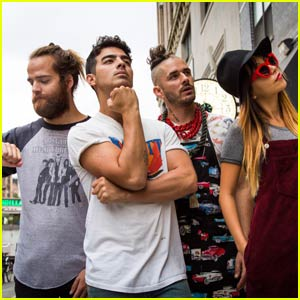 Joe Jonas' New Band DNCE Drops 'Cake By the Ocean' Song - Listen Now!