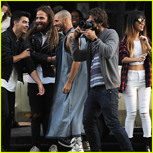 Joe Jonas Hangs With DNCE Before Wishing Brother Nick Happy Birthday