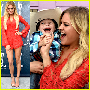 Kelsea Ballerini Gives Fans The Biggest Smiles At ACM Honors 2015